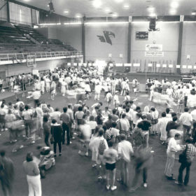 Registration in the War Memorial Gym, 1986.
